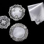 Centrini e fazzoletto con angolo in pizzo - Punto Burano ad ago - cm 16 / cm 14